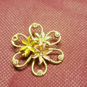 Cute vintage flower brooch PM 731